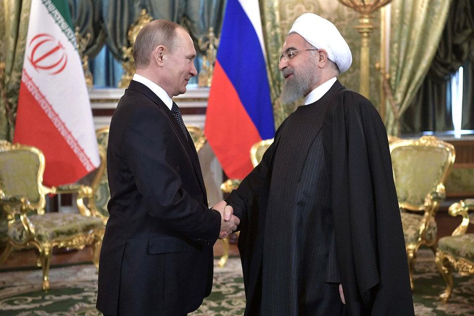 Президенты России и Ирана Владимир Путин и Хасан Роухани во вторник провели переговоры в Кремле