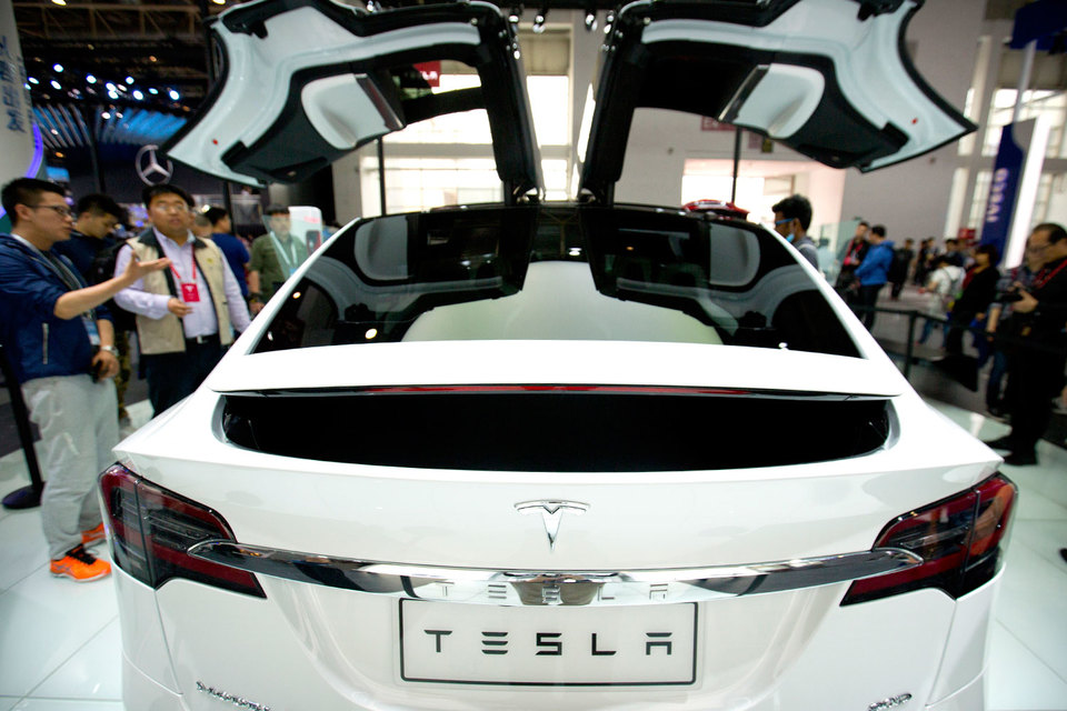 Tesla пока остается убыточной и обремененной крупными долгами