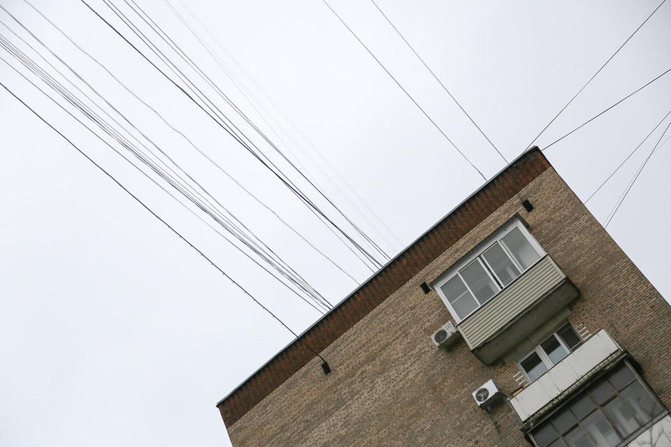 Демонтаж воздушных линий в Москве нарушает закон