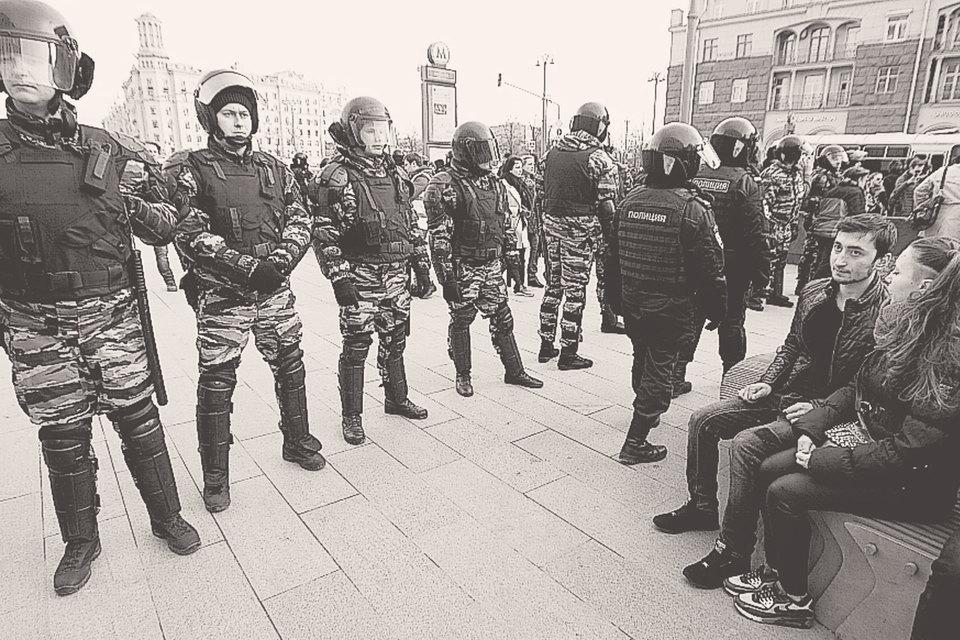 Для Кремля разница между законом и правом очевидна: неразрешенное незаконно