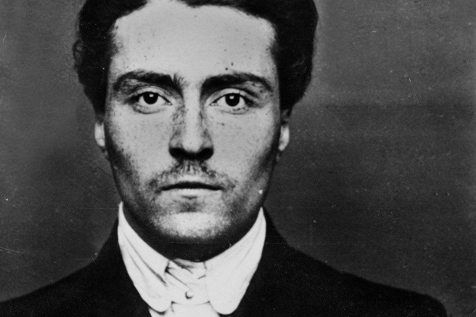 Виктор Кибальчич, публиковавшийся под псевдонимом Виктор Серж, не принадлежал ни одной культуре – его нельзя назвать ни русским, ни французским писателем