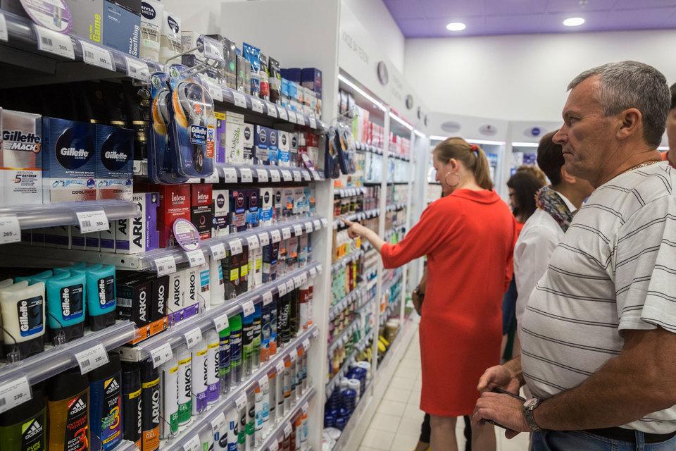 Gillette надеется остановить отток клиентов, которые все чаще стали выбирать дешевые бритвы и лезвия