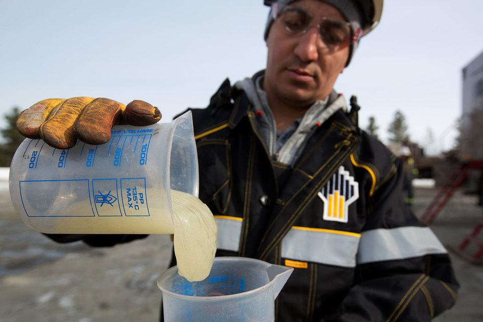 Большая обводненность месторождений «Роснефти» вызывает разногласия в верхах