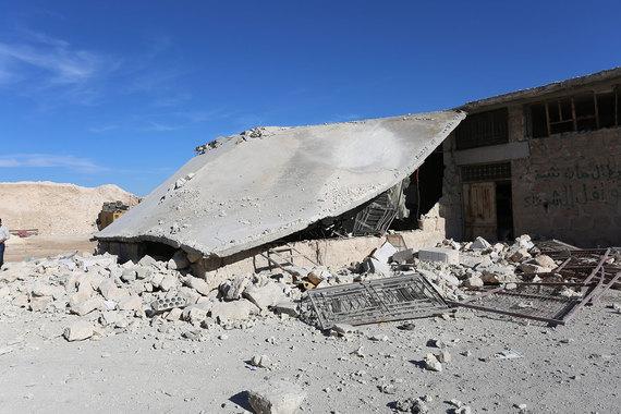 Разрушенный гараж госпиталя в городе Хан-Шейхун