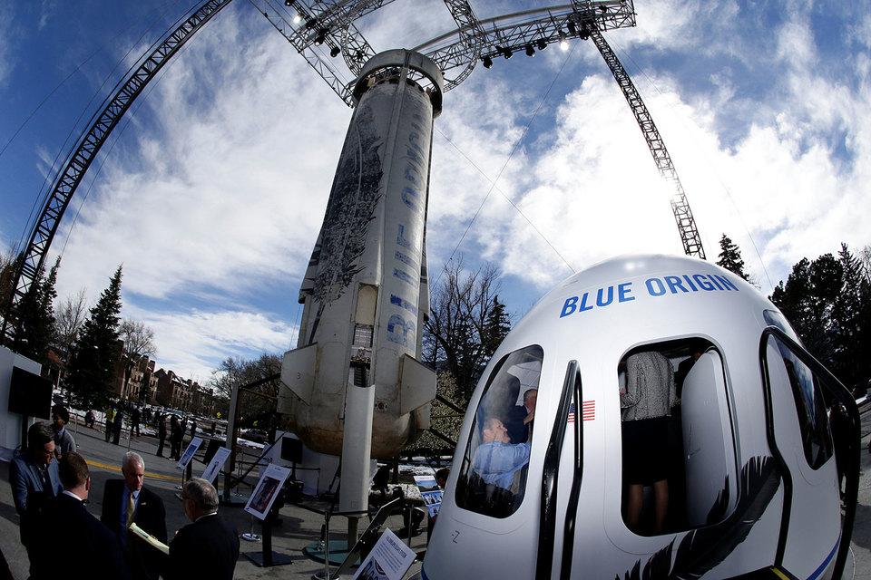 В Blue Origin (на фото на конференции в Колорадо-Спрингс) считают ракеты многоразового использования технологией будущего; с этим согласен и гендиректор «Роскосмоса»