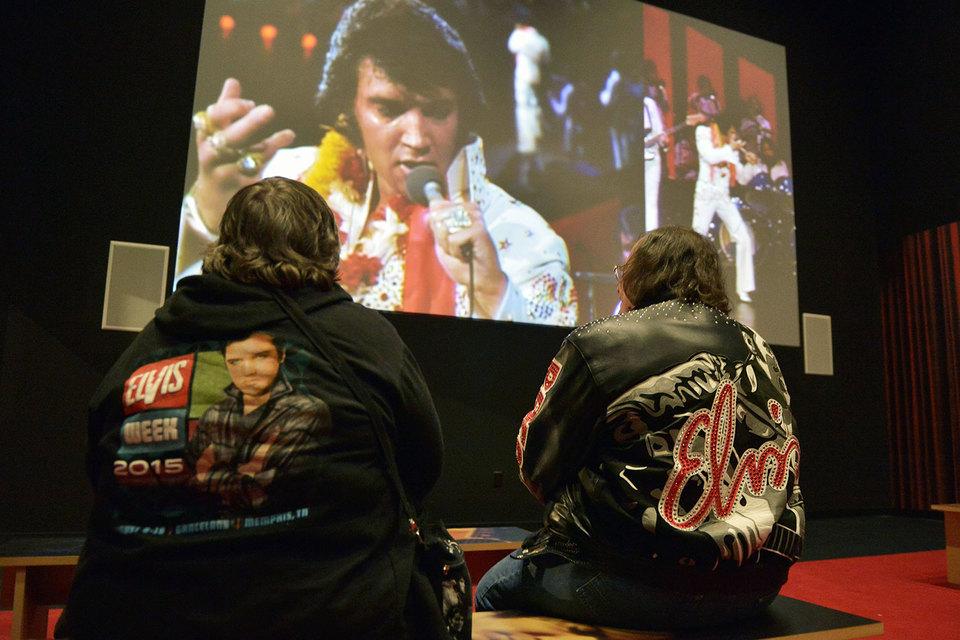 Владелец Carlin Music брал за право работать с Пресли «налог Элвиса»: авторы песен получали пониженные роялти