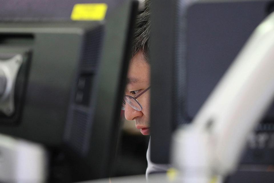 Власти Южной Кореи создали фиктивное отделение банка, где перебежчики могут, не стесняясь взглядов со стороны, обучиться банковским операциям