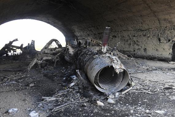 В пятницу, 7 апреля, военные США выпустили 59 крылатых ракет Tomahawk по  военной базе сирийских правительственных сил «Аш-Шайрат» в западной  провинции Хомс, приводит CBS данные Пентагона