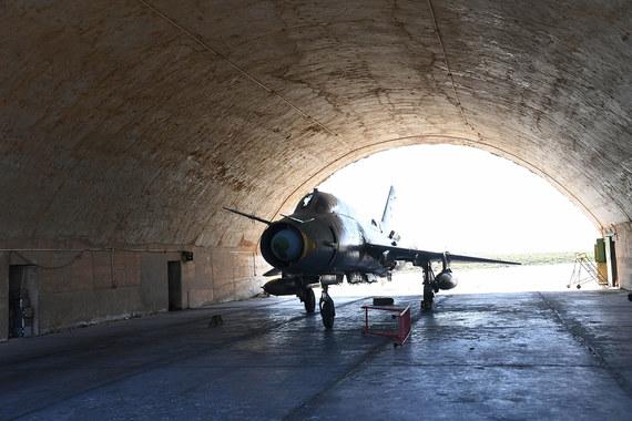 По словам человека, близкого к Министерству обороны России, эта база  использовалась как аэродром подскока для российских ударных вертолетов,  которые поддерживали наступление сирийских войск против ИГИЛ по правому  берегу Евфрата