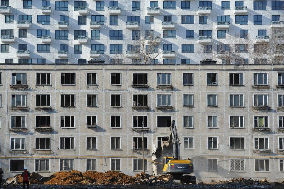 При лужковской программе сноса хрущевок коэффициент уплотнения для нового строительства составлял 3,3. Мэр Сергей Собянин требует, чтобы в новой программе реновации этот показатель не превышал 1,5, утверждают чиновники мэрии