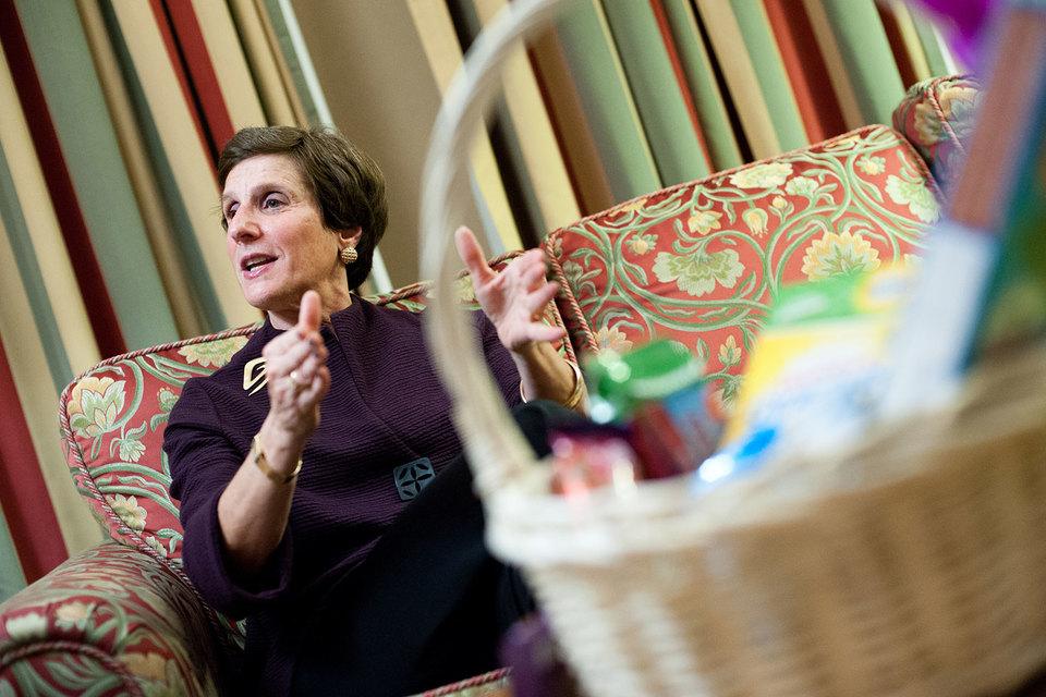Розенфельд руководит корпорацией с 2006 г., в мае ей исполнится 64 года