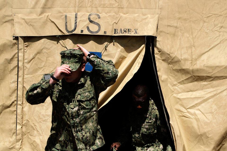 Компании США нанимают бывших военных, чтобы использовать их дисциплинированность и исполнительность. Но отставникам трудно адаптироваться к гражданскому труду