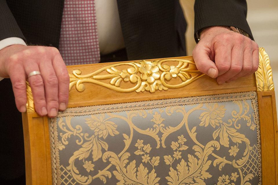 Доходы многих чиновников и депутатов в 2016 г. снизились, следует из опубликованных ими деклараций
