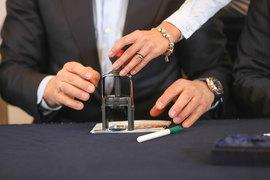 Минкомсвязи хочет отнять у частных компаний право на выдачу электронных подписей