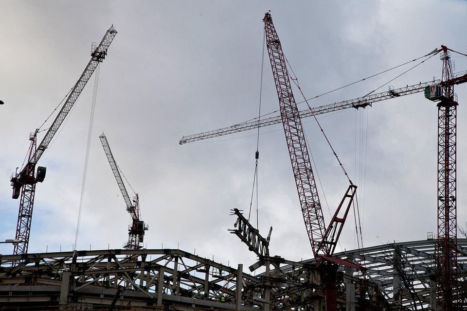 Себестоимость строительства жилья разных классов – от комфорт до премиум – примерно одинакова, сейчас девелоперы зарабатывают, продавая место и фишки, привлекающие покупателей