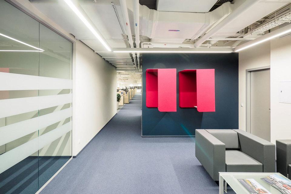 Устройство удобных переговорных, общественных зон в open-space, компенсирующих сотрудникам недостаток личного пространства на рабочем месте и т.п. – нынешний офис должен побуждать людей проводить на работе еще больше времени