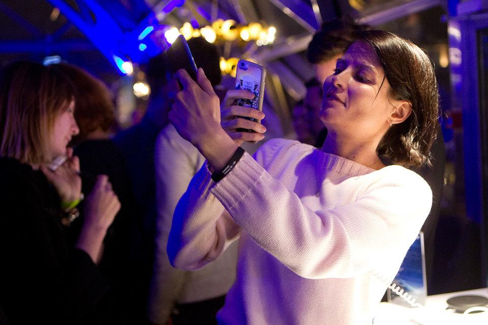 Россияне гораздо активнее заказывают новый флагман Samsung, чем предыдущую модель