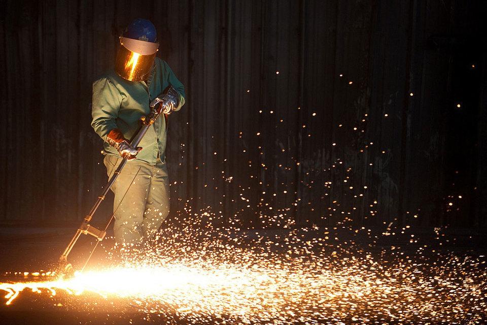 Один из критериев, по которому определяется, является продукция произведенной в США или нет, – импортирован ли для нее полуфабрикат, в частности сляб, из которого производится стальной прокат