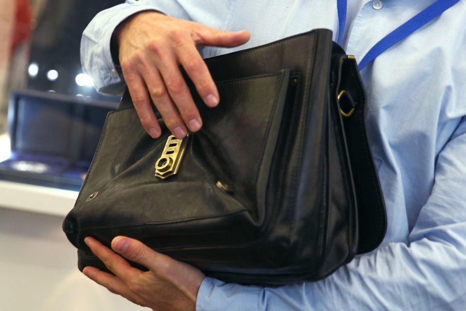 НПФ Сбербанка раскрыл, как распорядился пенсионными накоплениями клиентов, – в основном вложил в бумаги материнского банка