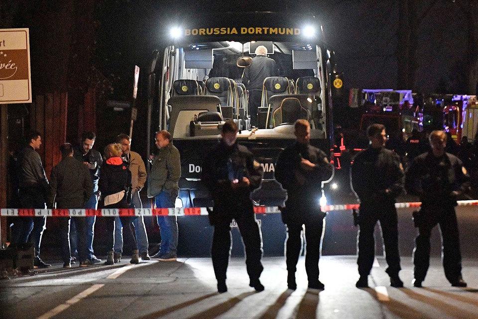 В Баден-Вюртемберге полицейский спецназ задержал подозреваемого в организации взрывов у автобуса дортмундской Borussia вечером 11 апреля