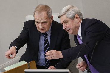 Председатель КС Валерий Зорькин (слева) пока не достиг полного взаимопонимания с Госдумой (справа – первый заместитель председателя нижней палаты Иван Мельников)