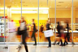 Российские банки заметили увеличение транзакций среди клиентов за рубежом
