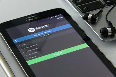 Технологии Mediachain Labs могут помочь артистам и правообладателям лучше понимать, как используется их контент в Spotify