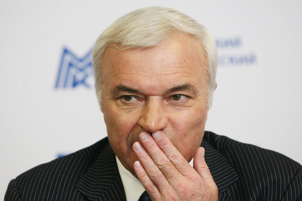 Виктор Рашников готов продать акции ММК на $200 млн