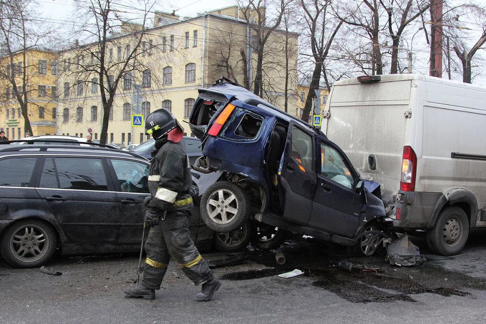 Владелец сильно поврежденного автомобиля получит выплату по ОСАГО только деньгами