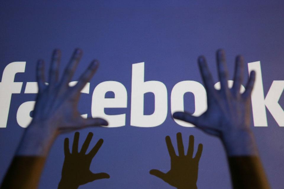 Facebook изучил типы манипуляций в соцсети