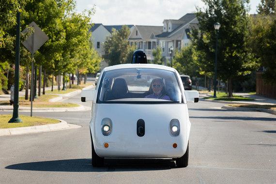 Автомобили Waymo, подразделения самоуправляемых машин Alphabet (материнской компании Google), наездили по дорогам в беспилотном режиме уже несколько миллионов километров. Waymo вскоре предложит несколько сотен машин для перевозок пассажиров Аризоны