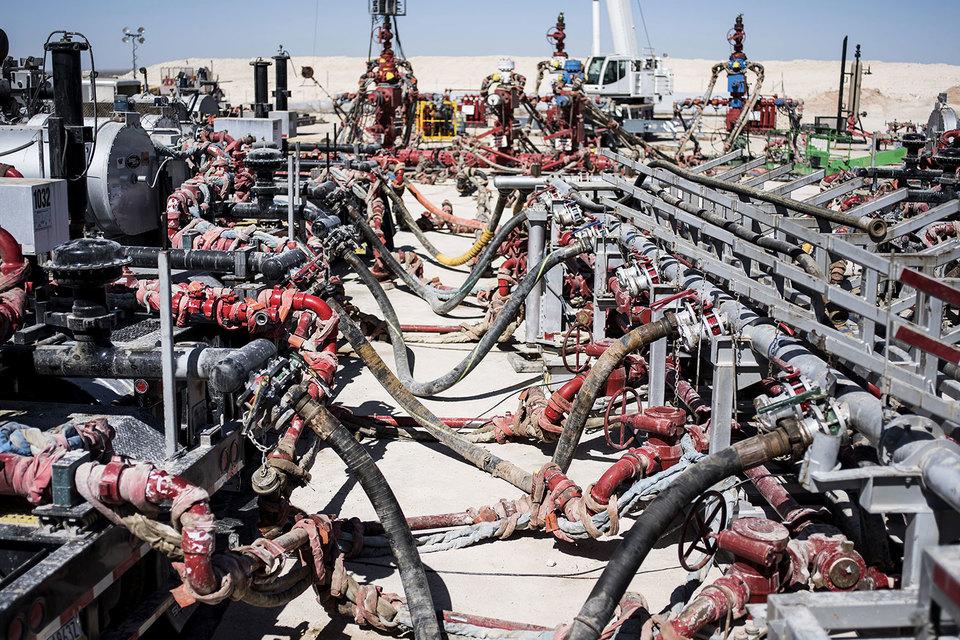 Большиство мелких и средних производителей сланцевой нефти сильно зависят от кредитов, необходимых для финансирования буровых работ