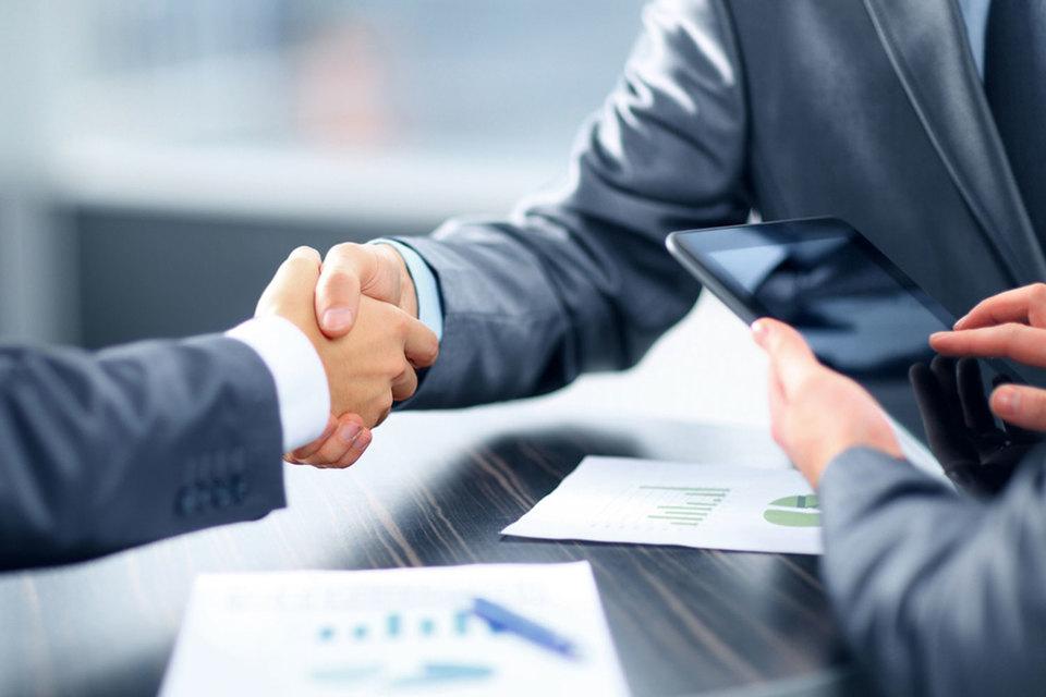 Исследователи обнаружили, что с ростом числа уходов сотрудников улучшались и оценки репутации компании