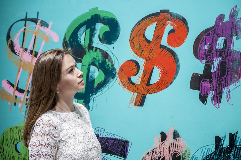 Курс доллара превысил 58 рублей впервые с 22 марта