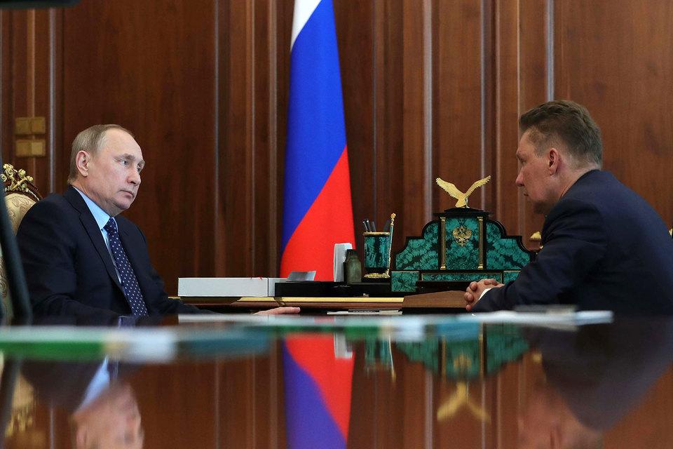 Президент Владимир Путин рассказал предправления «Газпрома» Алексею Миллеру (справа), какой партнер нужен компании на Ямале