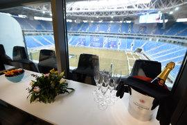 В VIP-ложах на соревнованиях FIFA шампанское присутствует обязательно