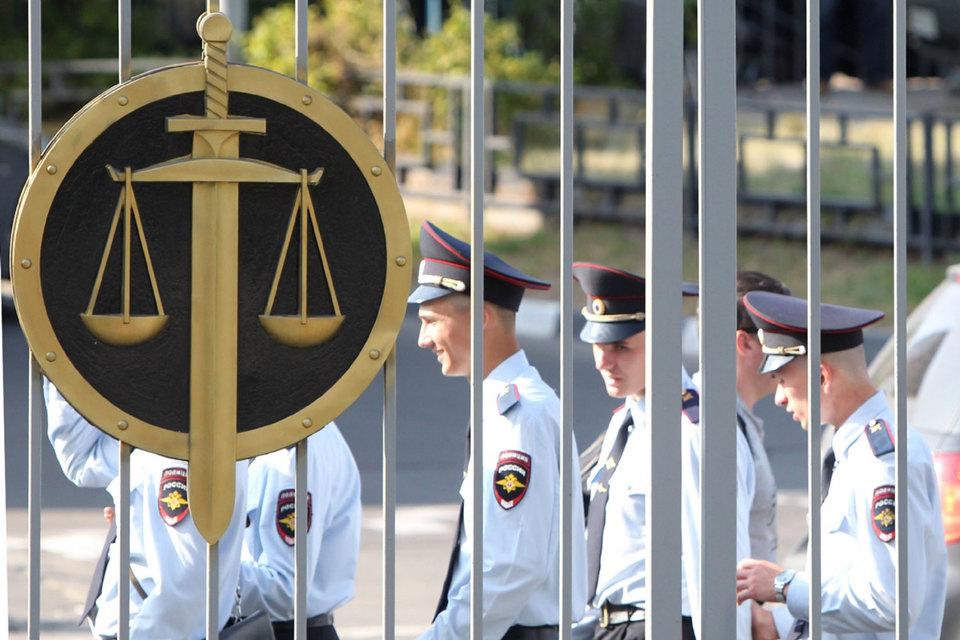 Правоохранительные органы хотят охранять себя сами