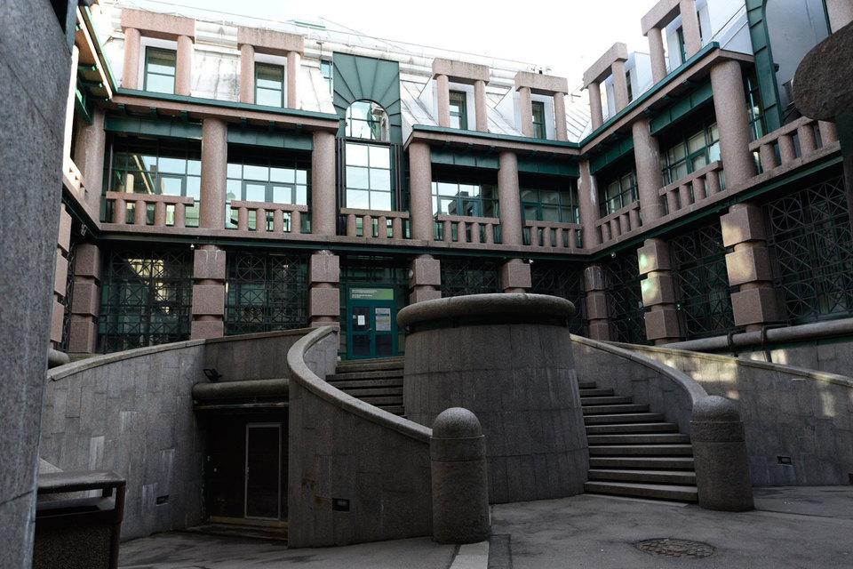 В центре города мало выставленных на продажу офисных зданий в хорошем состоянии