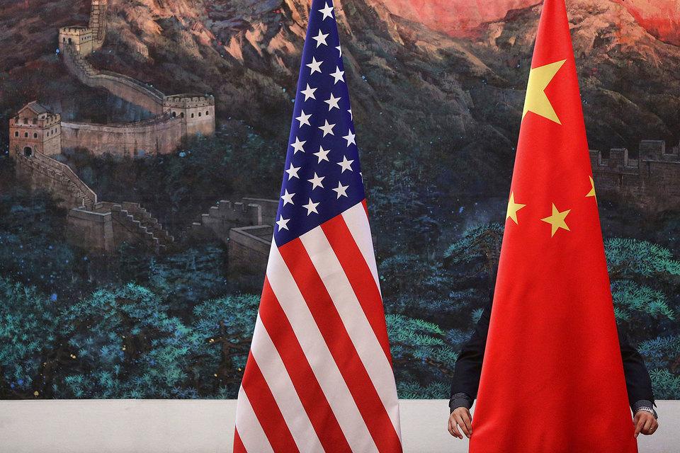 В прошлый четверг США и Китай подписали торговое соглашение, затрагивающее 10 секторов, сообщает Bloomberg