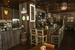 Материалы интерьера столь же необычны, как и экстерьер ресторана. Пол и столы в Bareburger – из переработанной древесины, а сиденья – из винила