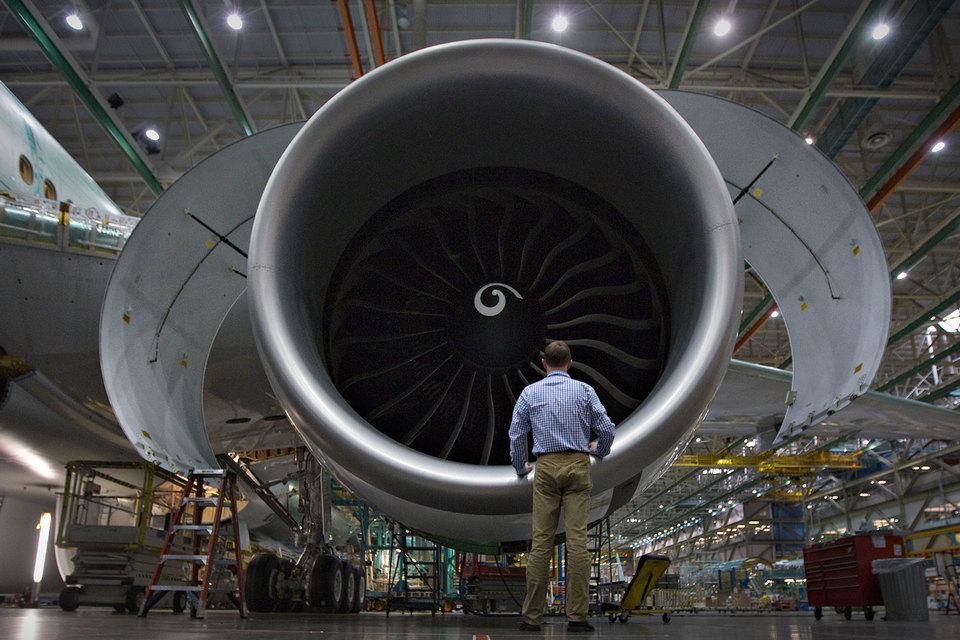 Теперь корпорация Boeing будет производить больше комплектующих для своих самолетов сама