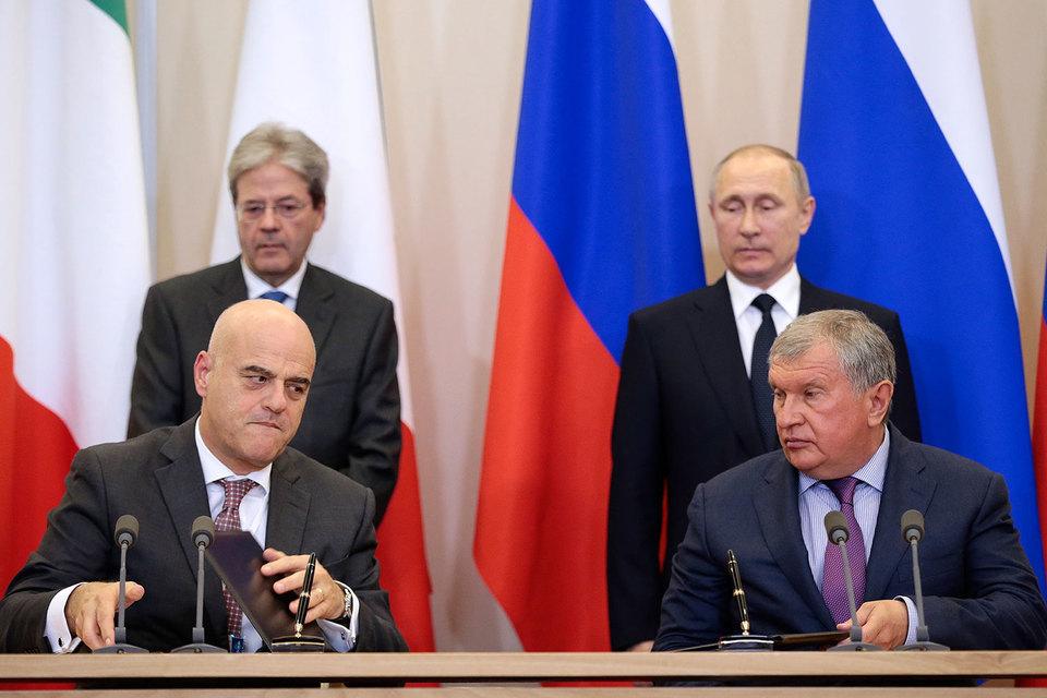 Главный исполнительный директор «Роснефти» Игорь Сечин (на фото справа) нашел в коллеге из Eni Клаудио Дескальци надежного партнера