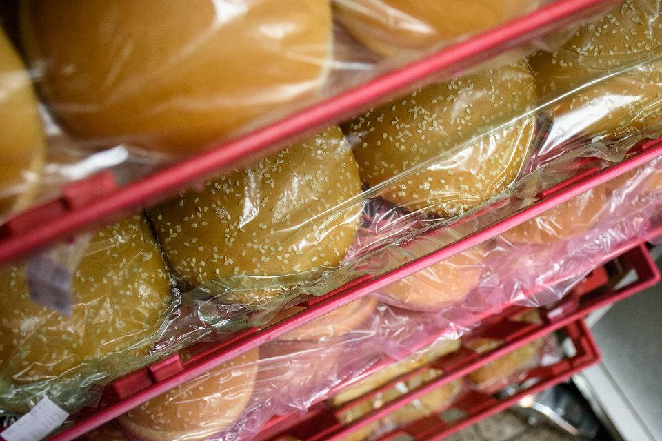 Крупнейшие сети быстрого питания собираются доставлять еду на дом