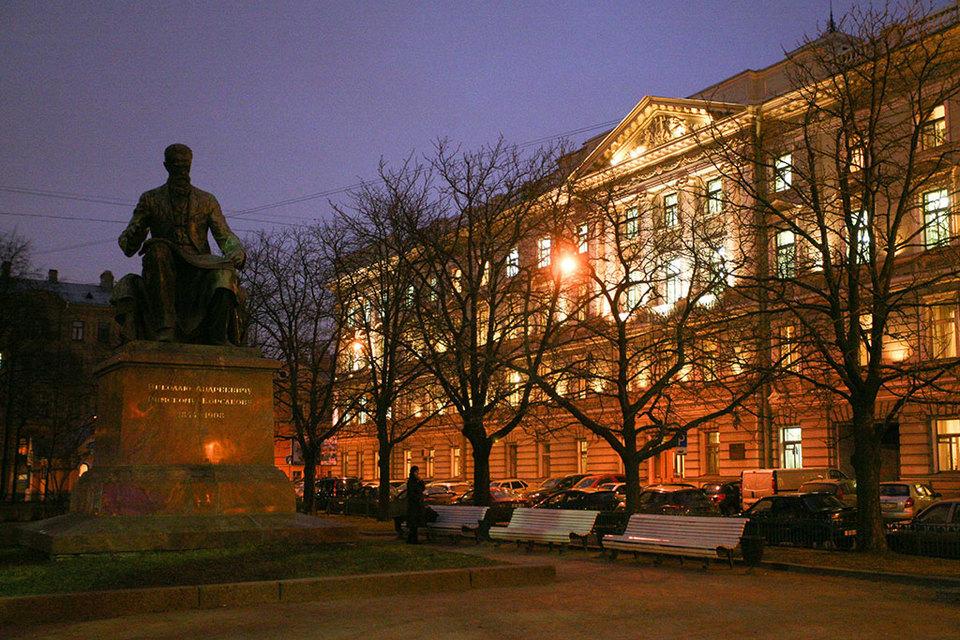 МинкультурыРФ выбрало нового подрядчика реконструкции консерватории вПетербурге