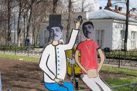В дни фестиваля лицо Дягилева украшает пермские лужайки