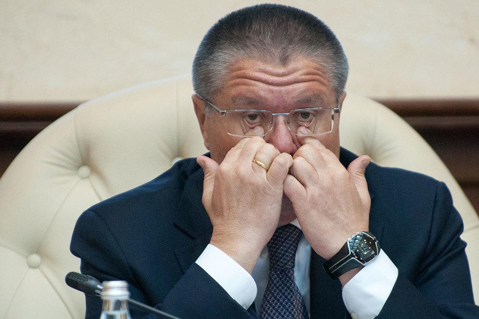 Улюкаев мог получить 9,6 млн руб.