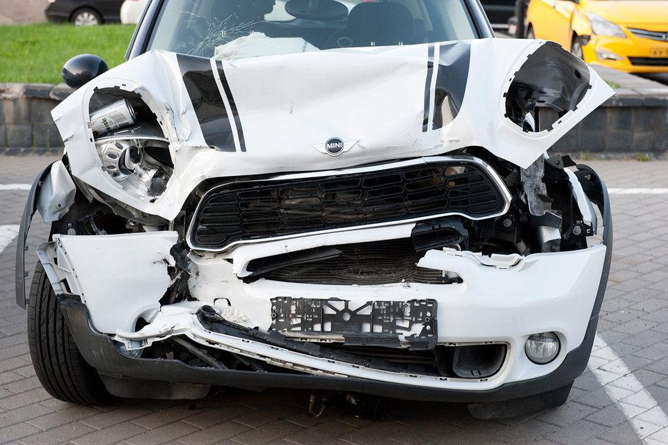 Автостраховщиков заставят продавать электронное ОСАГО убыточным клиентам