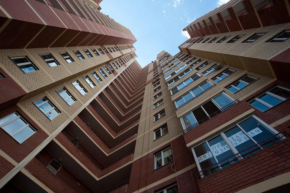 Пока новостройки растут, ставки кредитов на квартиры в них сейчас только падают