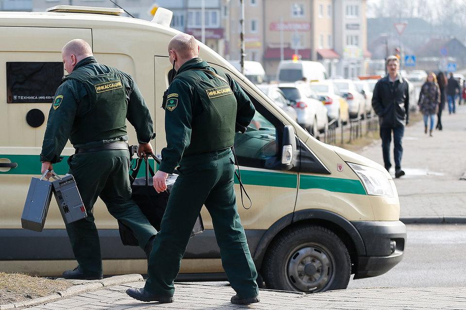 Ранее, 9 мая, Путин издал указ, который почти полностью запретил оборот гражданского и служебного оружия в Москве и ряде регионов