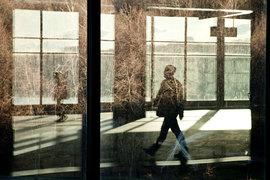 Для пенсионных накоплений молчунов, переданных Пенсионным фондом России в доверительное управление частным управляющим компаниям, Минфин с 14 июля предлагает установить возможность инвестирования в ценные бумаги с рейтингом АКРА по национальной рейтинговой шкале на уровне BBB-